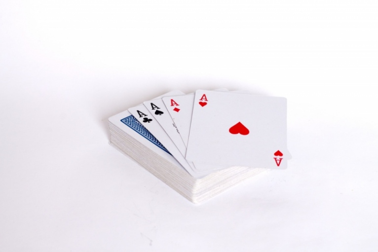 9 Card Playing Hacks to Win a Rummy Game
